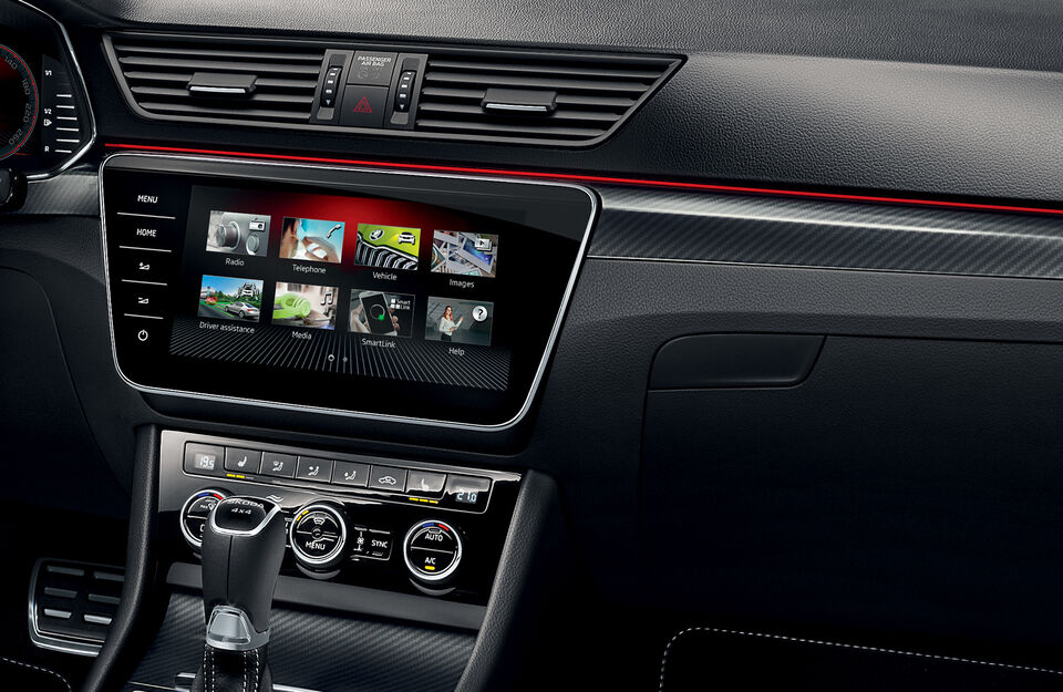Display im SKODA SUPERB SPORTLINE