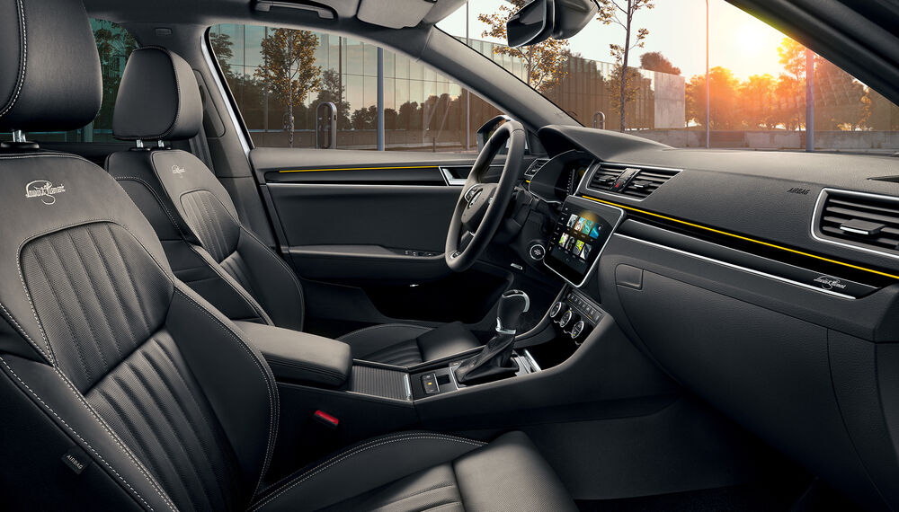 SKODA SUPERB iV Interior vorne